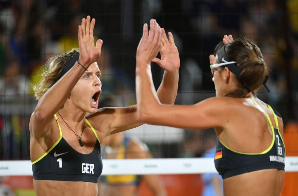 Laura Ludwig und Kira Walkenhorst haben im Finale die Brasilianerinnen besiegt. Foto: AFP