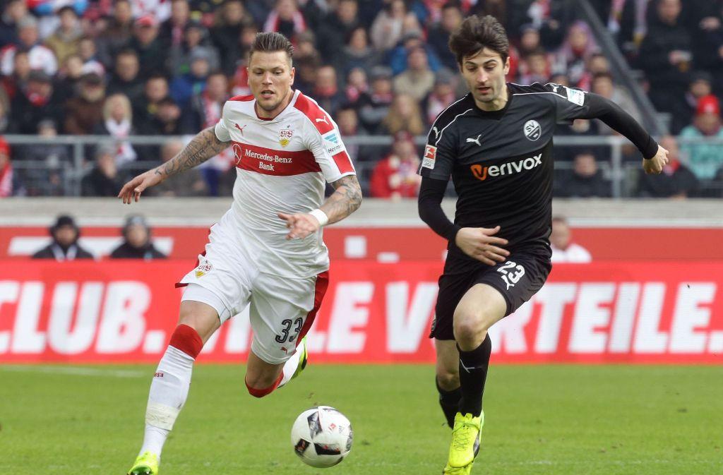 VfB-Stürmer Daniel Ginczek (links) kam im Spiel gegen Sandhausen in der 65. Minute auf den Platz. Foto: Pressefoto Baumann