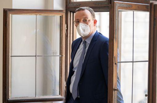 """Rechnungshof moniert """"Überbeschaffung"""" von Corona-Schutzmasken"""