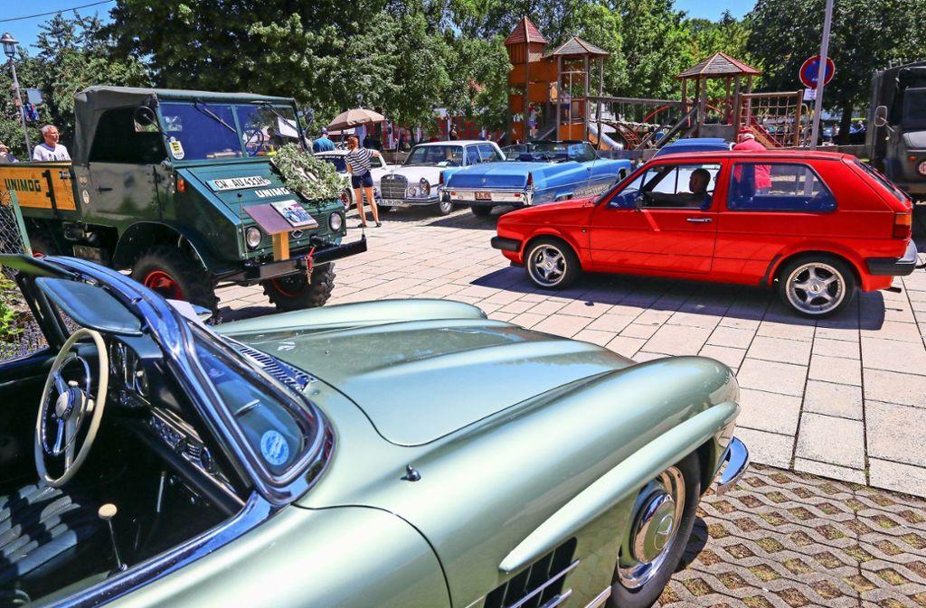 Nicht nur alte Autos, sondern auch Traktoren sind zu Gast. Foto: factum/Granville