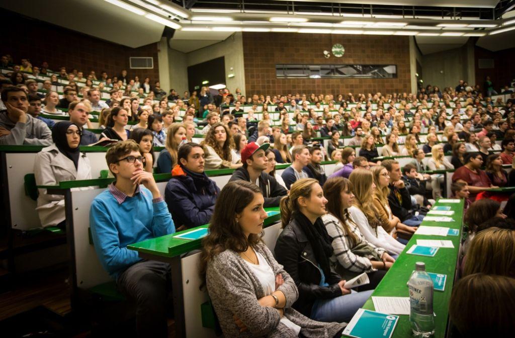 Studierende in Hohenheim: Sie und ihre Kommilitonen sollen künftig  punktgenauer unterstützt werden. Foto: Lichtgut/Achim Zweygarth
