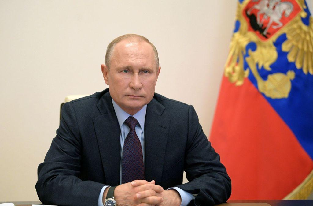 Präsident Wladimir Putin hat die abgesagte Parade neu datiert. (Archivbild) Foto: dpa/Alexei Druzhinin