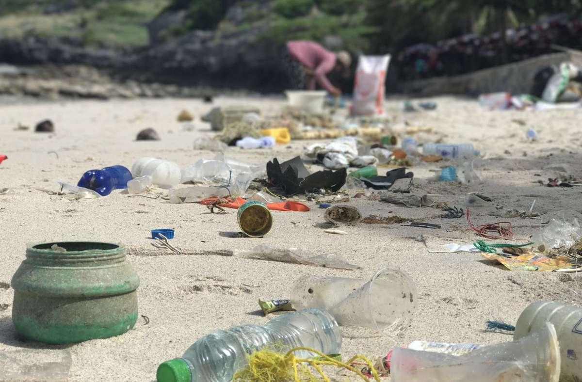 Mittlerweile könnten sich mehr als eine Million Tonnen Plastik im Mittelmeer angesammelt haben. Foto: dpa/Christoph Sator