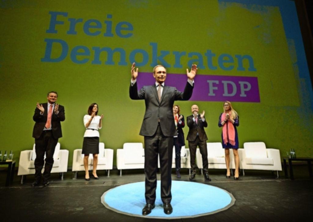 Die FDP will wieder jubeln – hier beim Dreikönigsparteitag 2015, vorne der Parteichef Christian Lindner. Foto: dpa