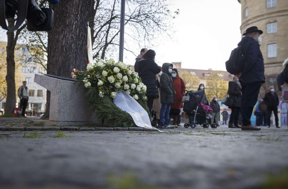 Etwa 70 Menschen gedachten der Roma-Opfer während der NS-Zeit. Foto: Lichtgut/Julian Rettig
