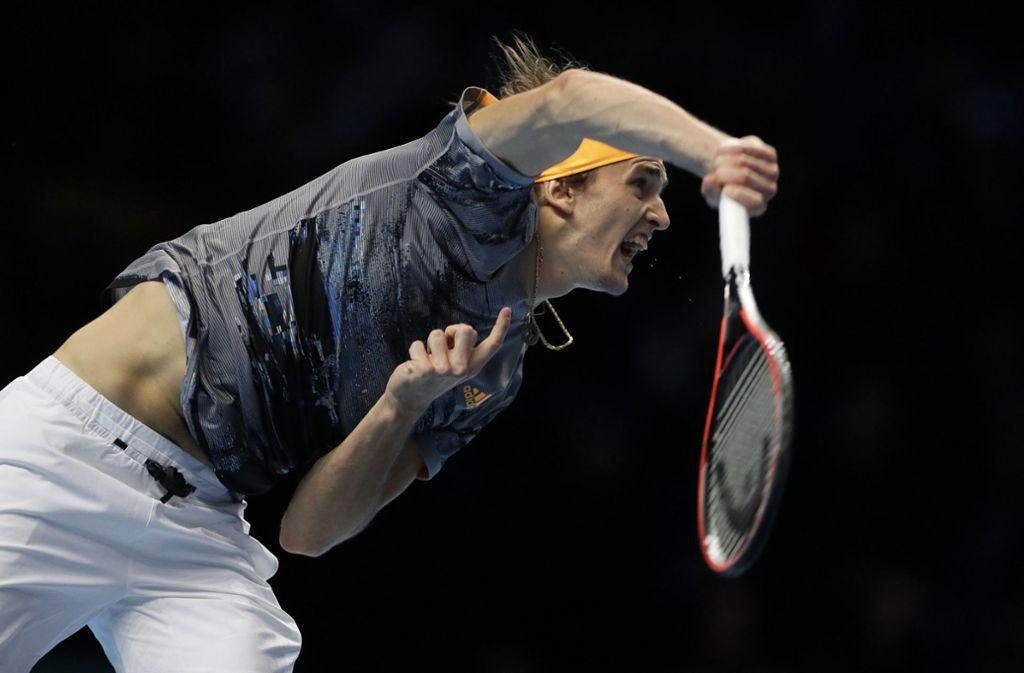 Alexander Zverev schlägt gegen Rafael Nadel auf – ihm gelangen elf Asse im Spiel. Foto: AP/Kirsty Wigglesworth