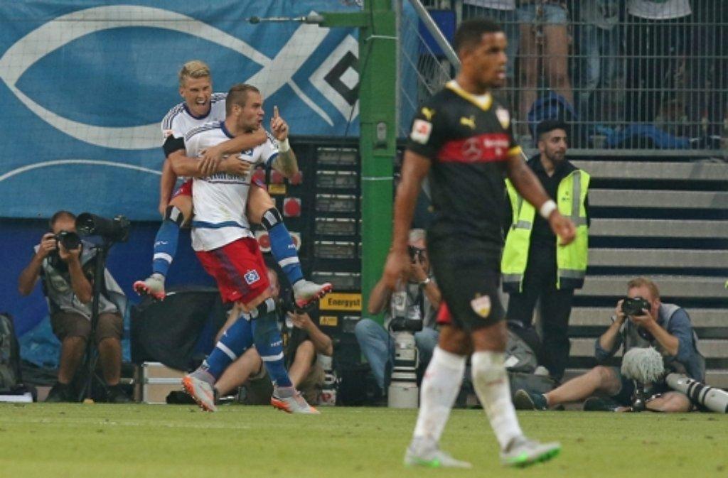 Auch im zweiten Saisonspiel setzt es für den VfB Stuttgart eine  Niederlage. In Hamburg verlieren die Schwaben mit 2:3. Hier gibt es die Pressestimmen. Foto: Pressefoto Baumann