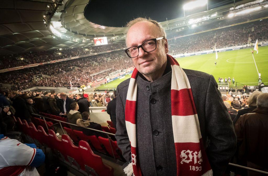 Nicht nur der VfB hat manchmal Pech: Burkhard Kosminski im Stadion Foto: Lichtgut/Achim Zweygarth