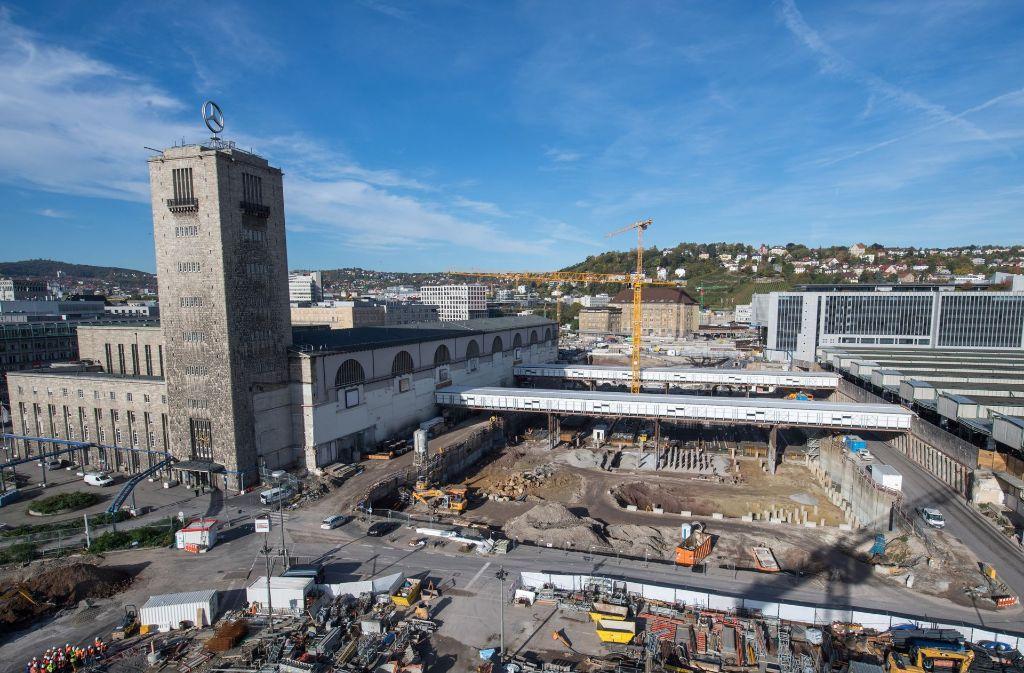 Das Aktionsbündnis gegen Stuttgart 21 will mit einer Initiative auf die zusätzlichen Klimabelastungen durch den Tunnelbahnhof aufmerksam machen. Foto: dpa