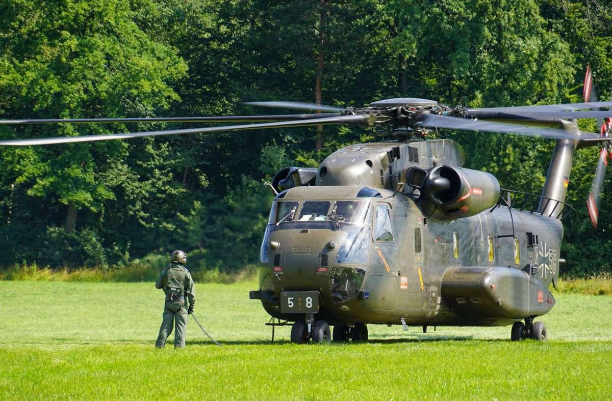 An dem Helikopter des Typs CH 53 war eine Kontrolllampe aufgeleuchtet. Foto: SDMG/Woelfl