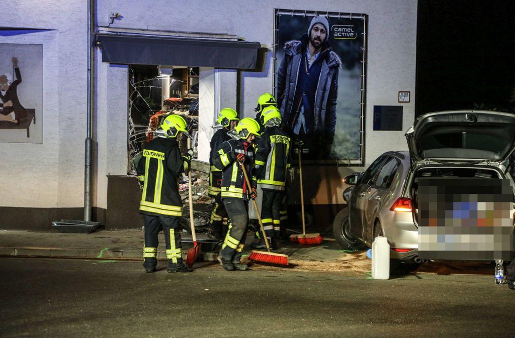 Ein Ausflug ohne Führerschein endete in einem Schaufenster. Foto: 7aktuell.de