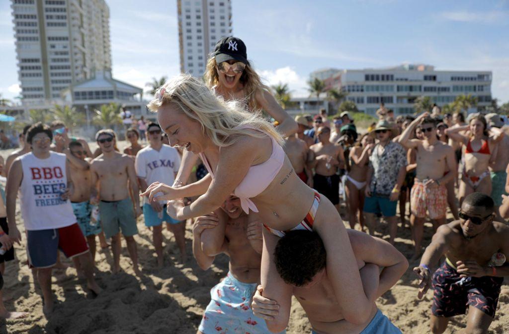 Feiern in Zeiten von Corona: Dieses Foto entstand am 17. März in Pompano Beach (Florida). Foto: AP/Julio Cortez