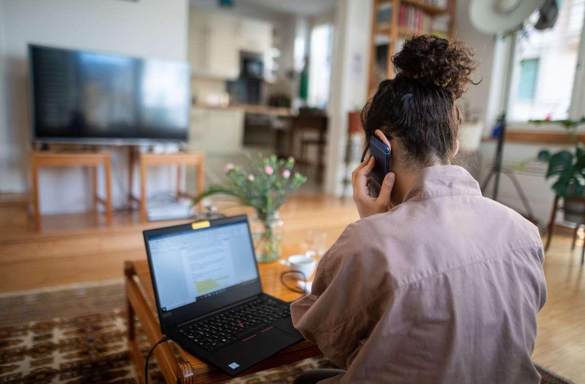 Wie sehen Arbeitnehmer das Homeoffice? Foto: dpa/Sebastian Gollnow