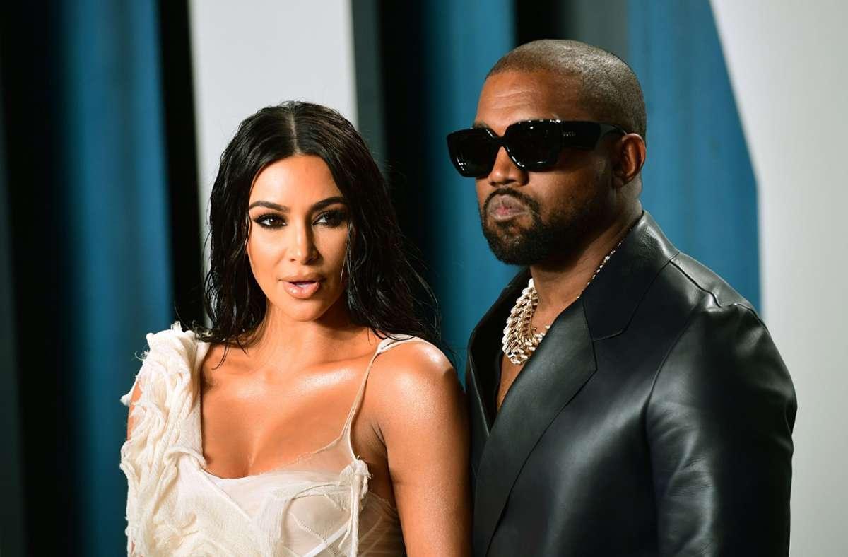 Solche Bilder wird es wohl nicht mehr geben: Kim Kardashian und Kanye West gemeinsam auf dem roten Teppich. (Archivbild) Foto: dpa/Ian West