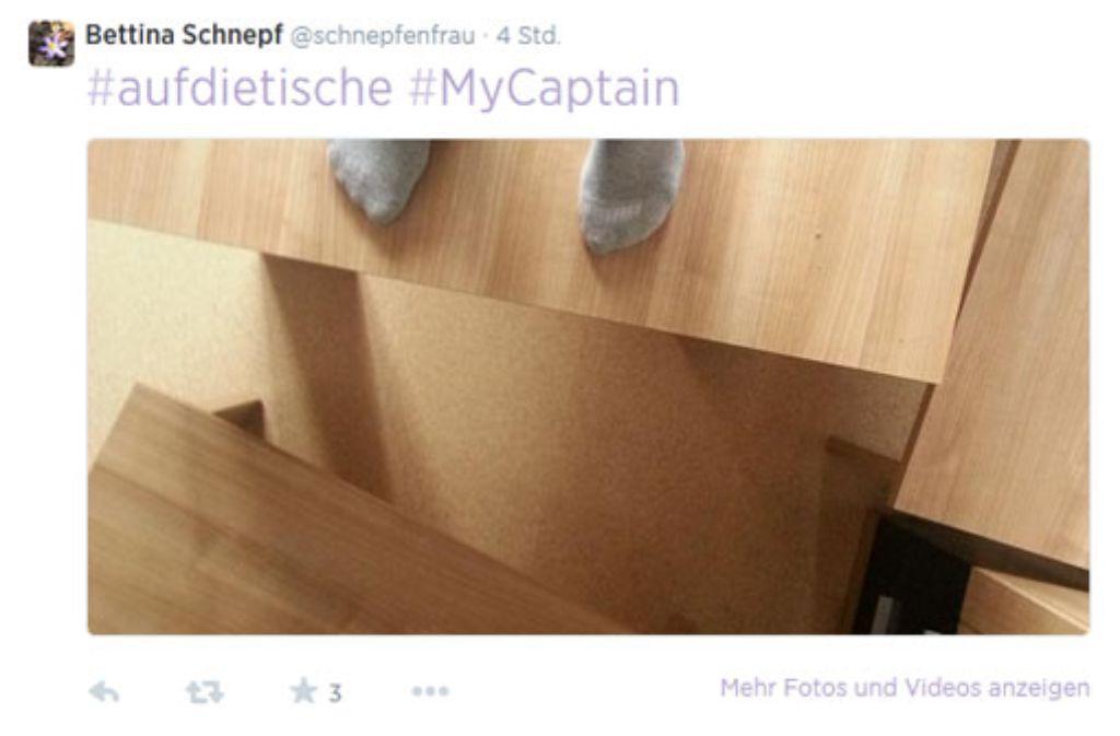 #MyCaptain: Auf die Tische für den verstorbenen US-Schauspieler Robin Williams Foto: https://twitter.com/schnepfenfrau