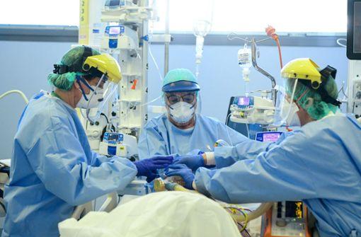 Weltweit über 90.000 Todesfälle durch Coronavirus