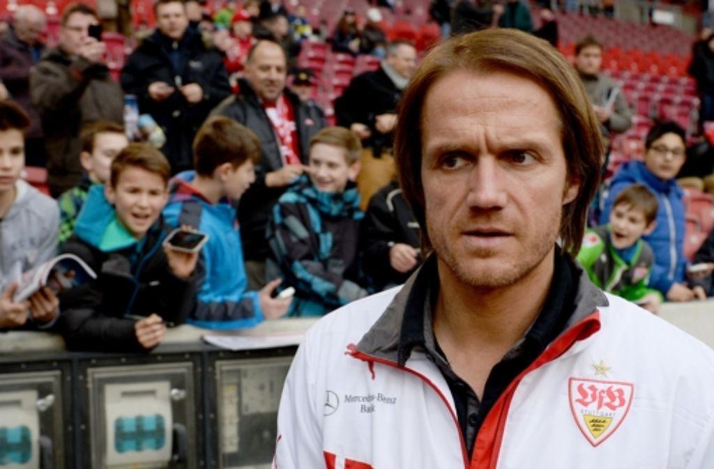 Thomas Schneider ist beim VfB Stuttgart ein Trainer auf Bewährung. Sieben Spiele haben die Stuttgarter in Folge verloren – in der Bilderstrecke werfen wir einen Blick auf die mehr als durchwachsene Saison des VfB. Foto: dpa