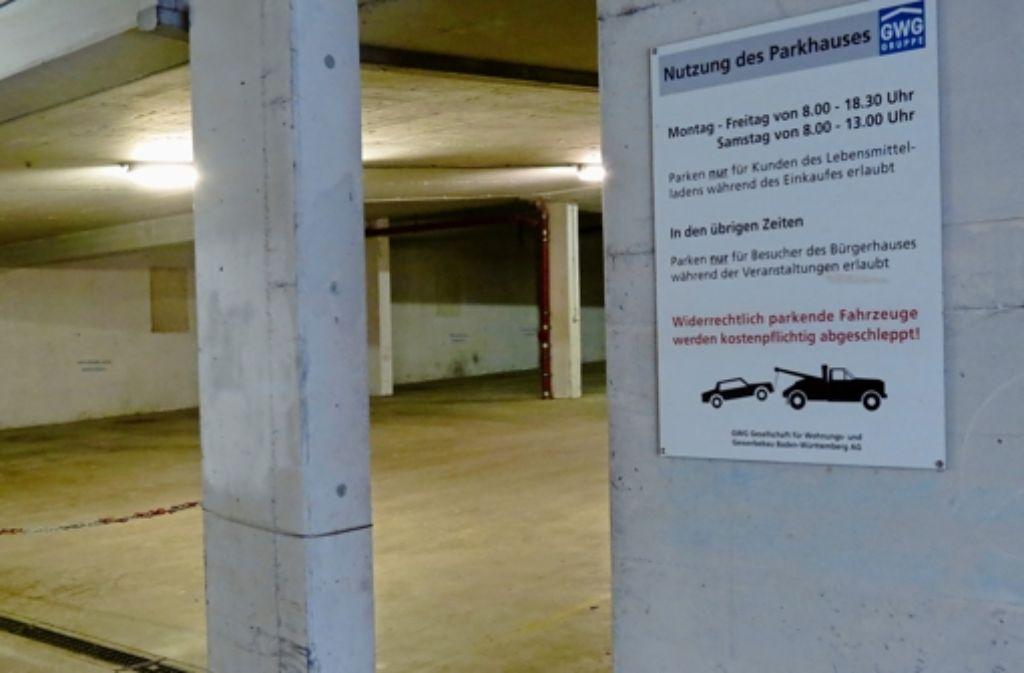 Eine Kette verhindert, dass die Garage genutzt werden kann. Foto: Otto-H. Häusser