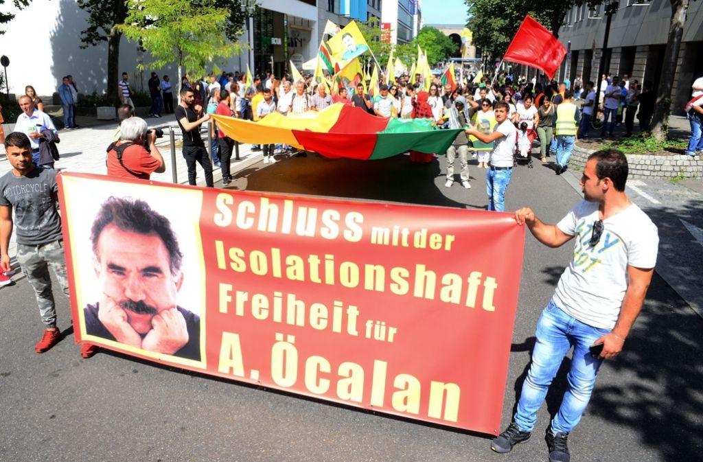 Die Demonstration von Kurden in der Stuttgarter Innenstadt ... Foto: 7aktuell.de/