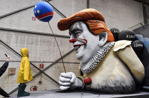 Zwischen Horrorclown Trump und Klöckner im Bett