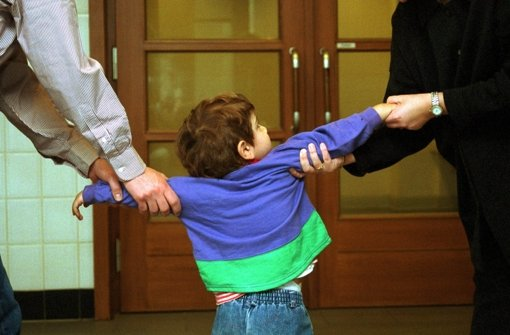 Bei Scheidungen kann es  zur Sache gehen.  Doch was ist am besten  fürs Kind? Foto: Keystone