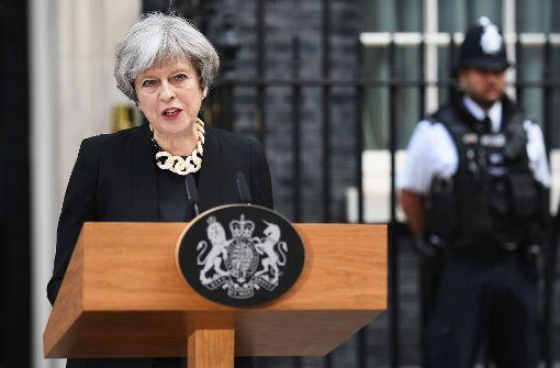 London Britische Regierung kündigt harten Anti-Terror-Kurs an