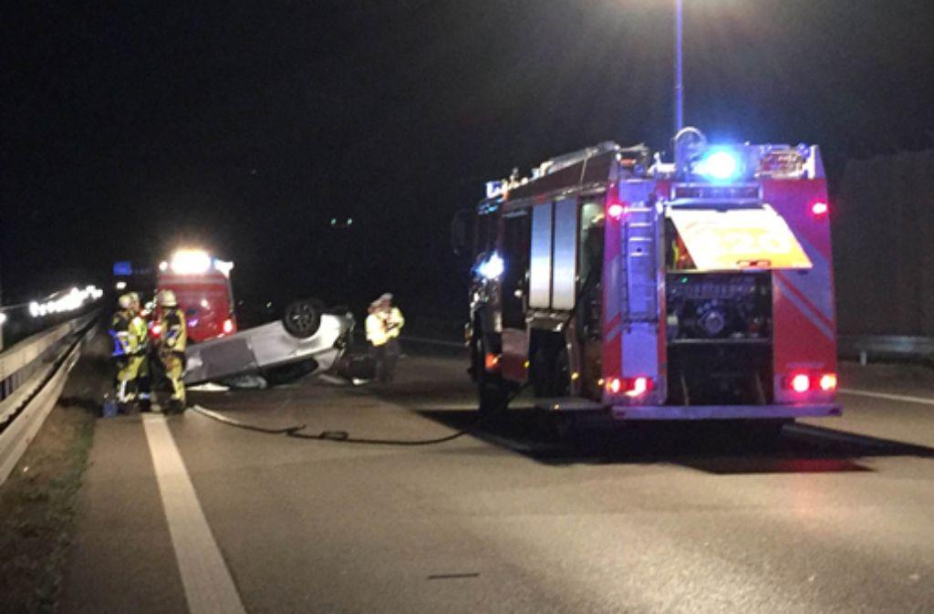 Auf der A8 hat es am Samstag in Höhe des Stuttgarter Flughafens einen schweren Unfall gegeben. Foto: 7aktuell/Alexander Hald