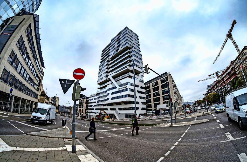 Cloud no 7 in stuttgart luxuswohnturm im visier der for Designhotel jaz stuttgart