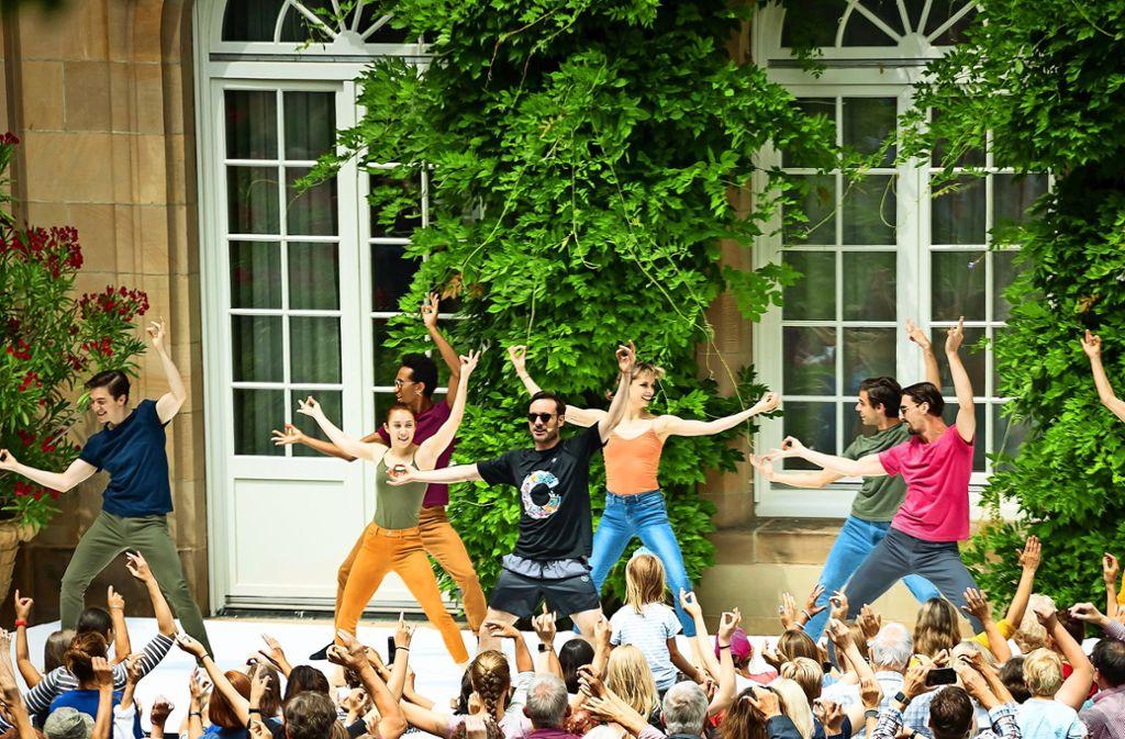 Und jetzt alle mitmachen! Gauthier tanzt vor, die Gäste reißt es mit. Foto: Lichtgut/Rettig