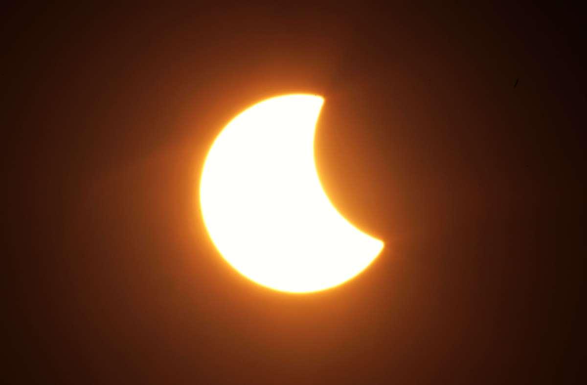2015 war die letzte  partielle Sonnenfinsternis über Deutschland zu sehen. Foto: picture alliance / dpa/Fredrik von Erichsen