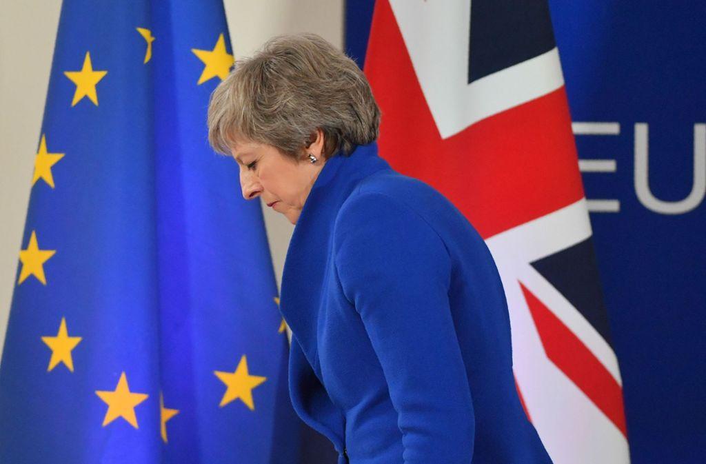 Schwerer Gang: das Brexit-Paket ist von der EU zwar gebilligt worden,  doch die britische Premierministerin Theresa May braucht nun noch die Zustimmung ihres Parlaments. Foto: AFP