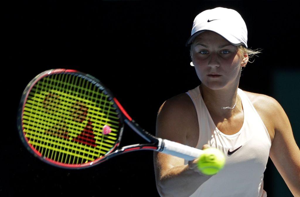 Marta Kostjuk gilt als neue Attraktion des Damentennis, doch die 15-Jährige darf vorerst nur an einer begrenzten Zahl großer Turniere teilnehmen. Foto: AP