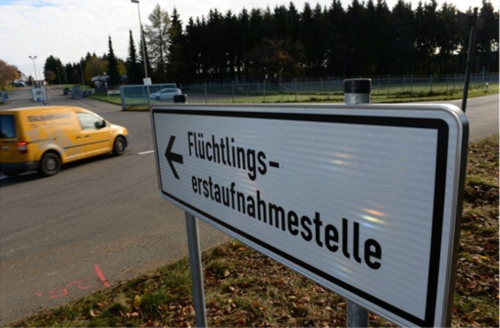 Die Landeserstaufnahmestelle Meßstetten ist voll ausgelastet. 250 Flüchtlinge werden am Freitag in die Graf-Stauffenberg-Kaserne nach Sigmaringen gebracht. Foto: dpa