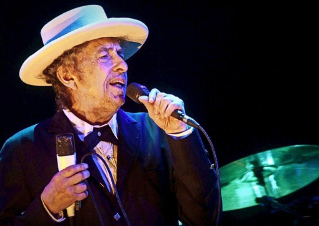Er hört nicht damit auf, sich neu zu erfinden: Bob Dylan bei einem Konzert im Sommer 2012 in Spanien. Foto: