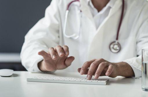 Homo- und transphober Tweet: Herzchirurg und Klinik trennen sich