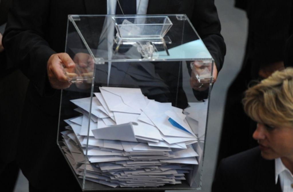 Die Initiative Gläserne Urne will all jenen eine Alternative bieten, die mit dem Kandidatentableau bei der OB-Wahl unzufrieden sind. Foto: dpa