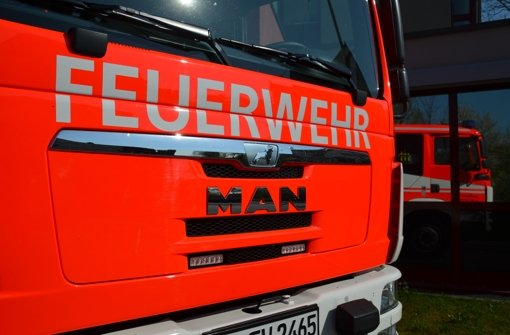 Weil eine Frau ihre Handtasche auf dem Herd liegen lässt, muss in Fellbach die Feuerwehr ausrücken. Foto: Symbolfoto, dpa