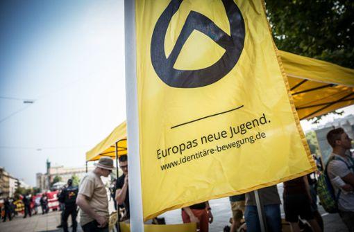 Infostand der Identitären Bewegung sorgt für Protest