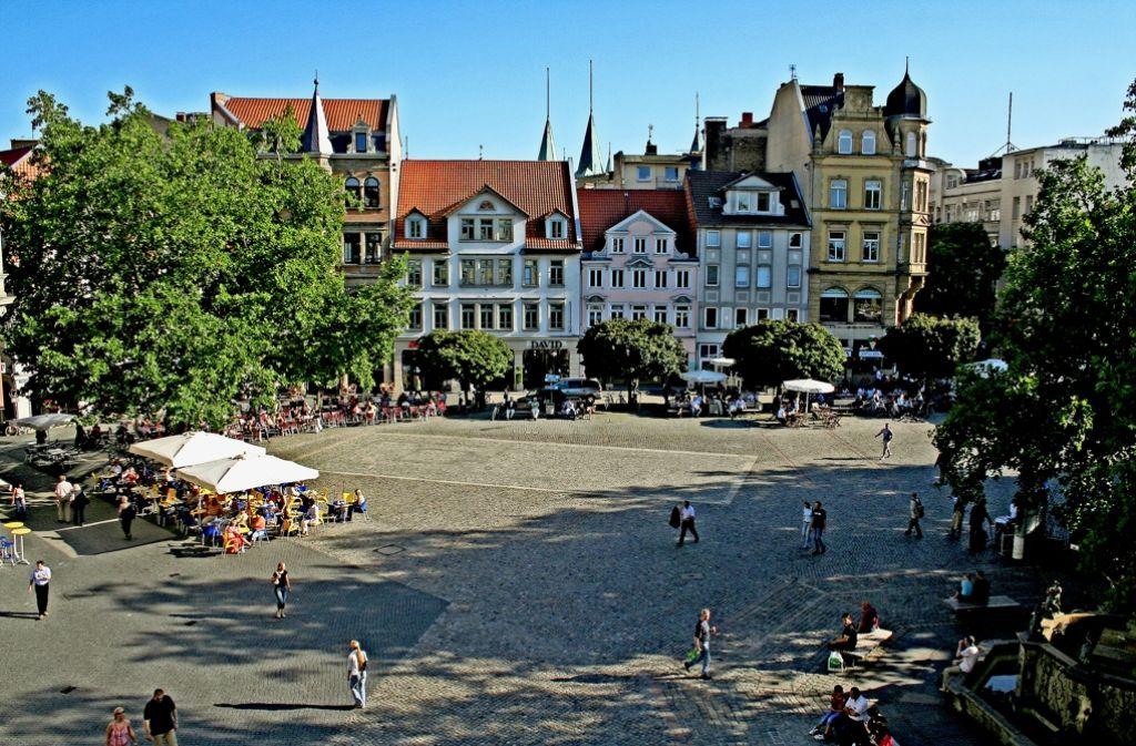 Am Kohlmarkt gibt es auch Cafés... Foto: StZ
