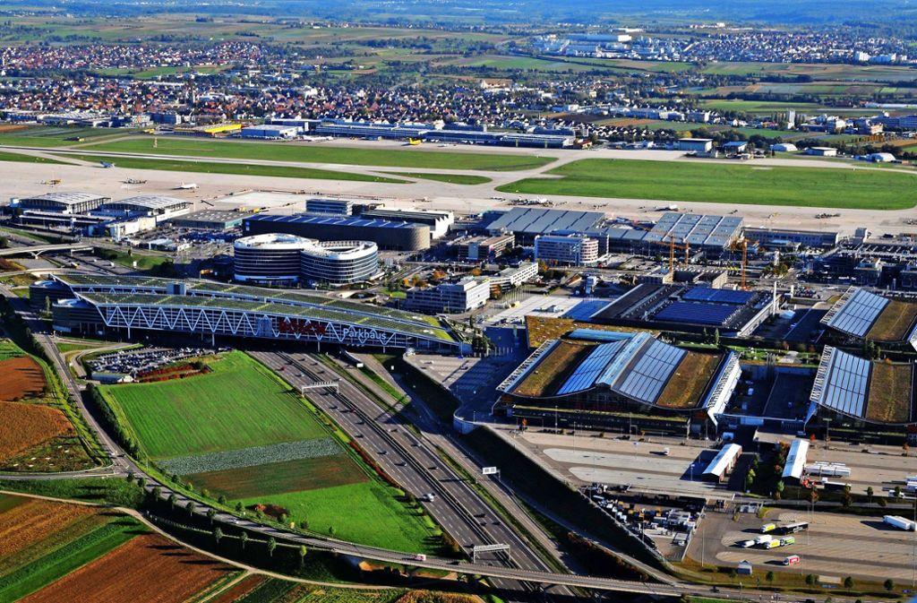 Der Flughafen, ist Drehscheibe für die Wirtschaft der Region. In Zukunft wird sich das noch verstärken. Foto: Archiv Manfred Storck