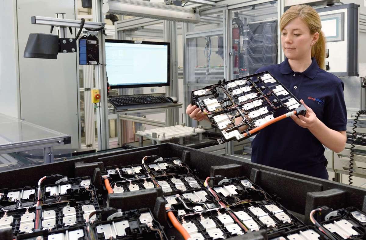 Elring-Klinger ist mit Dichtungen groß geworden. Doch  auch rund um neue Antriebe hat der Zulieferer einige Produkte zu bieten – im Bild  Zellkontaktiersysteme für Lithium-Ionen-Batterien. Foto: Elring-Klinger