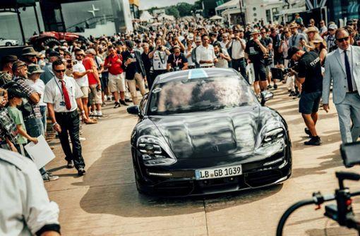 Großer Ansturm auf neue Arbeitsplätze  bei Porsche