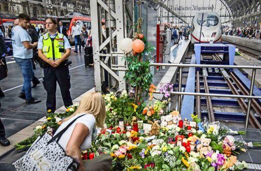 Seehofer will mehr Polizeipräsenz an Bahnhöfen