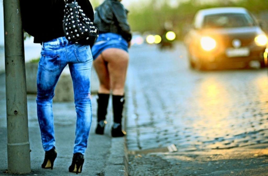 In vielen deutschen Städten herrscht auf dem Straßenstrich weiterhin reger Betrieb. Foto: dpa