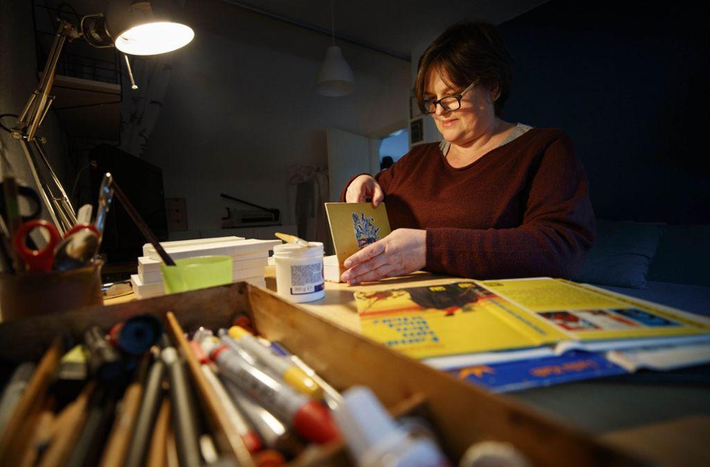 Frauke Jessen-Narr gibt alten Büchern eine zweite Chance. Foto: Gottfried Stoppel