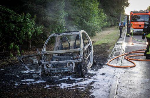 Smart brennt komplett aus – Feuerwehr verhindert Schlimmeres