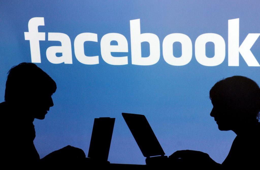 Das soziale Netzwerk Facebook gerät bei Datenschützern immer wieder in die Kritik. Foto: dpa