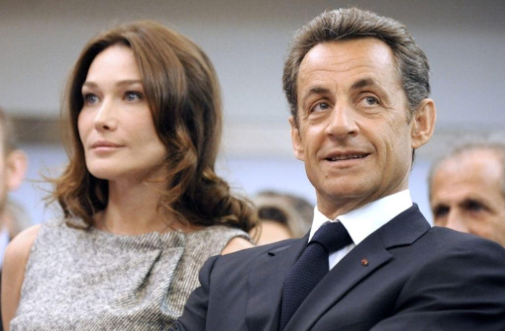 Nicht vom Geheimdienst, aber von einem engen Mitarbeiter sind die Gespräche des ehemaligen französischen Präsidenten Sarkozy und seiner Gattin Carla mitgeschnitten worden. Foto: dpa
