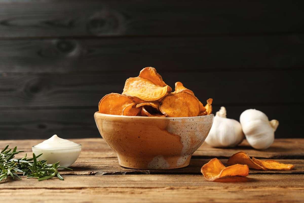 Selbstgemachte Kartoffelchips Foto: New Africa/Shutterstock