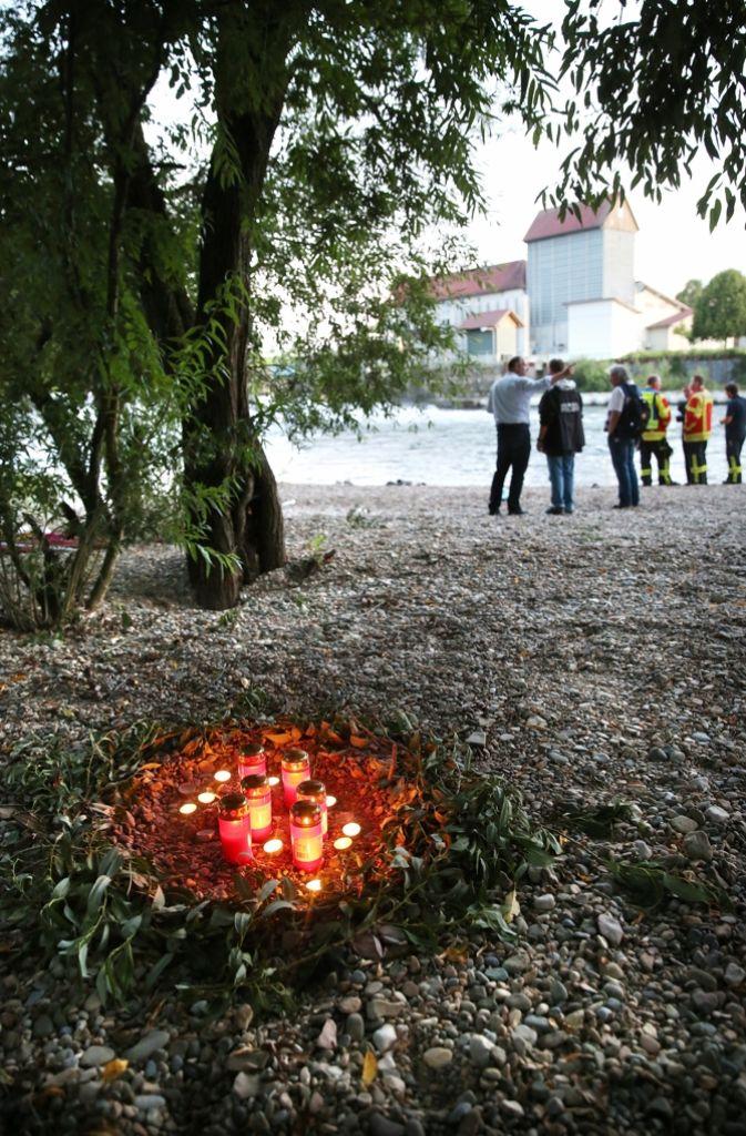 Die Menschen im Ort gedenken der Opfer. Foto: dpa